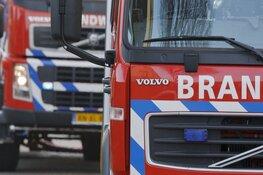 Autobrand slaat over: drie voertuigen zwaar beschadigd in Spanbroek
