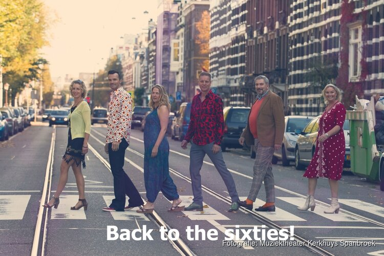 "Zanggroep PUUR "" Back to the sixties"" in 't Kerkhuys Spanbroek"