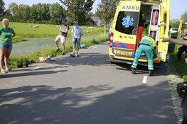 Fietser in levensgevaar in Hoogwoud na aanrijding